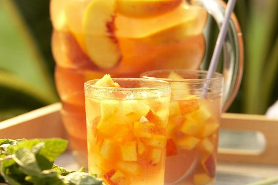 #WineWednesday – White Peach Sangria